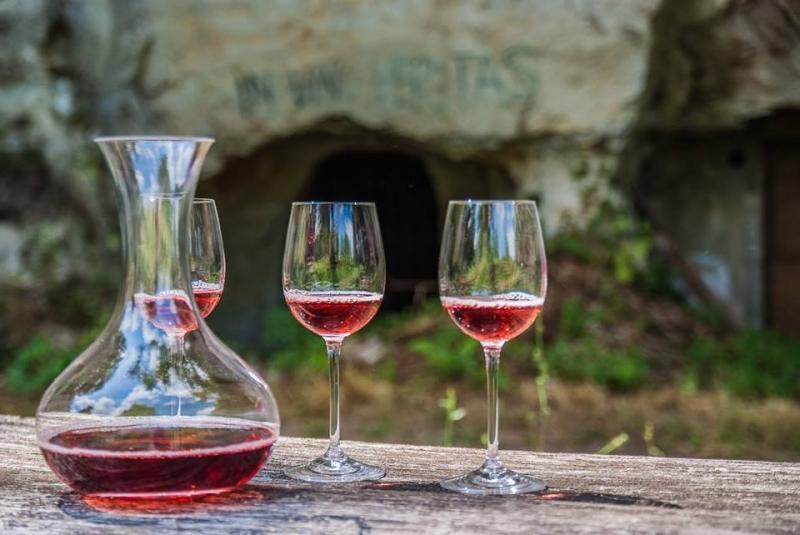 Mačkáš - Unikátne vínne pivnice v skale